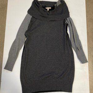 3 / $25! ✰ Banana Republic Sweater Dress